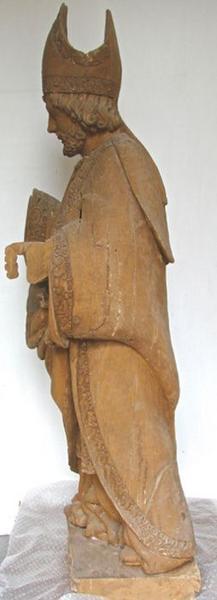 Statue: saint Eloi, vue générale, profil gauche