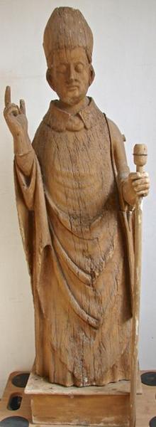 Statue : Saint Evêque bénissant, vue générale