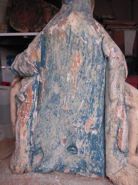 Groupe sculpté : Vierge de Pitié, vue générale du revers