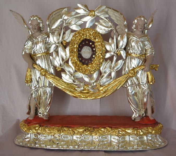 Statues-reliquaires : Anges et châsse de sainte Amérine, vue générale