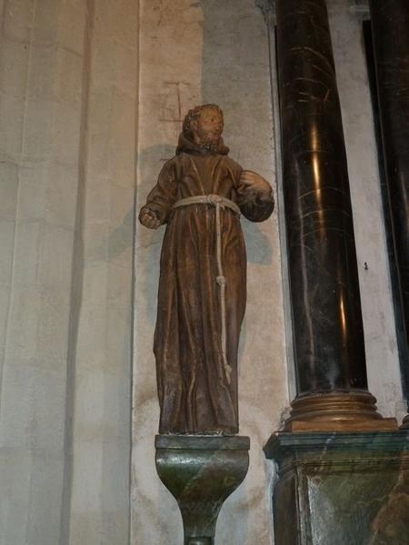 Statue: saint François, vue générale