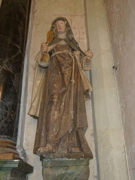 Statue: sainte Claire, vue générale
