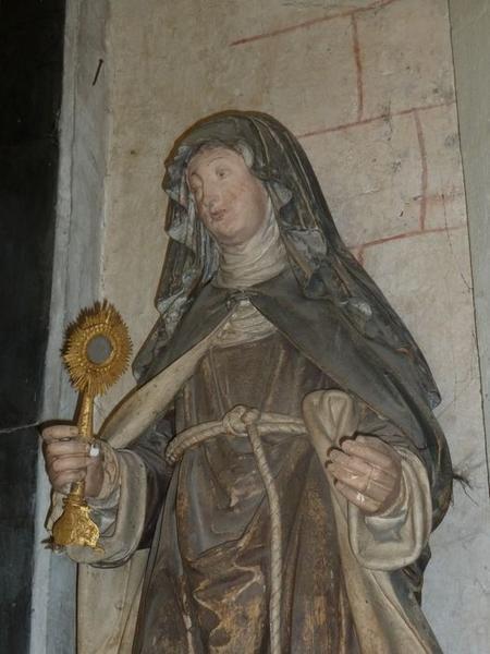 Statue: sainte Claire, vue partielle