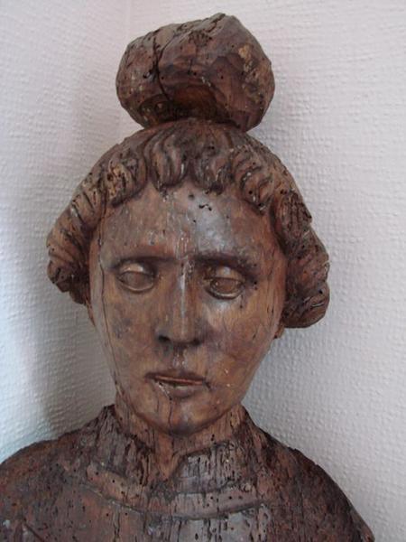 statue : saint Etienne, détail
