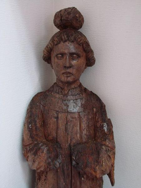 Statue : saint Etienne, vue partielle