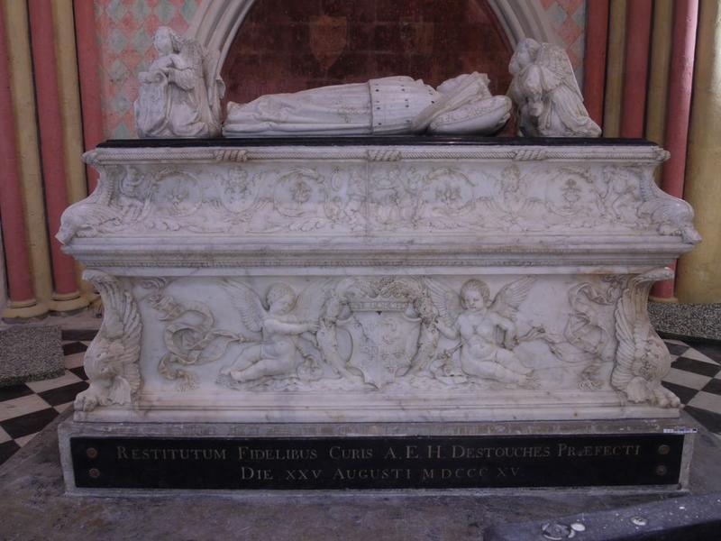 tombeau avec gisants de Charles-Orland et Charles, enfants de Charles VIII, vue générale