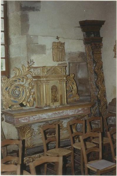 Autel, gradin, tabernacle, retable