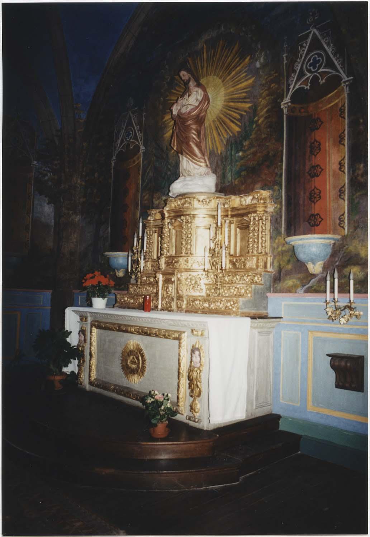 Autel, 3 gradins d'autel, tabernacle, faux tabernacle (dit autel de l'épine)