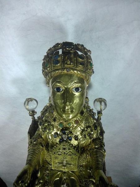 Statue : sainte Foy, vue partielle