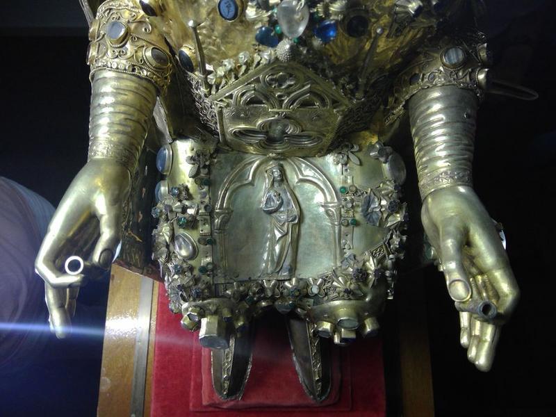 Statue : sainte Foy, détail