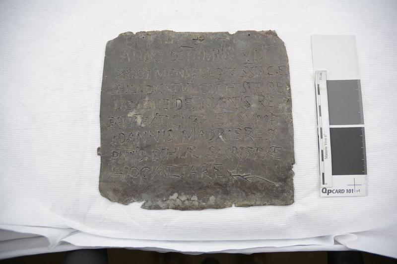 Plaque commémorative, vue générale de l'avers