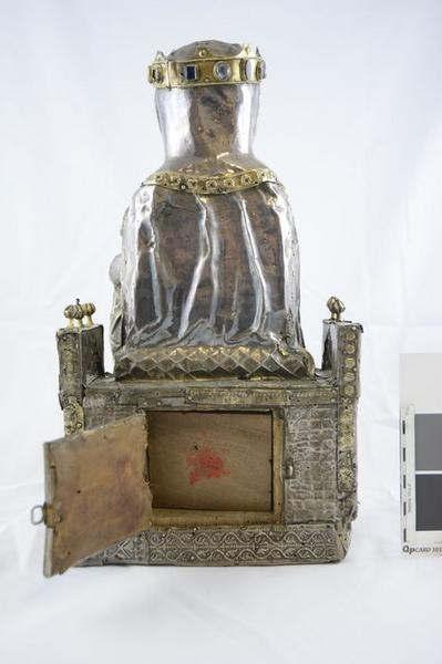 Statue : Vierge à l'Enfant assise, vue générale du revers