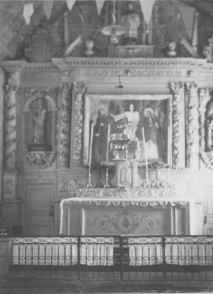 Autel, retable, 3 statues (maître-autel) : sainte Suzanne, saint Yves, saint Roch