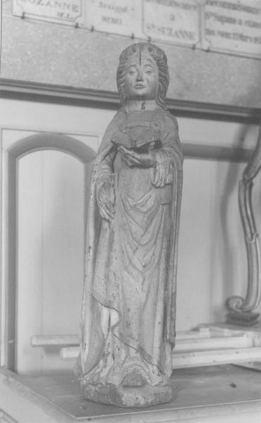 Statue : sainte Suzanne