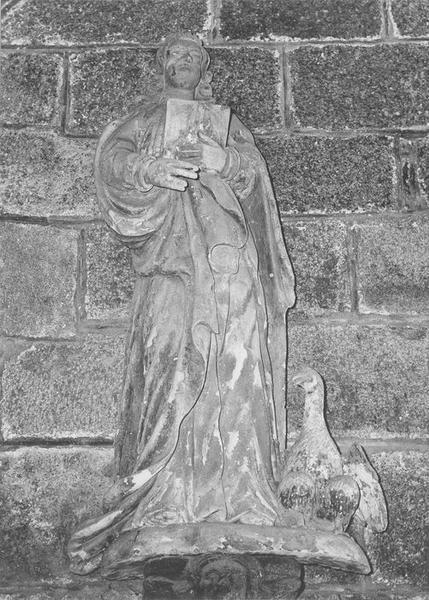 Groupe sculpté : saint Jean