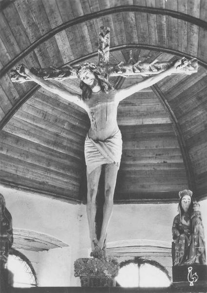 croix (crucifix) : Christ en croix, vue générale