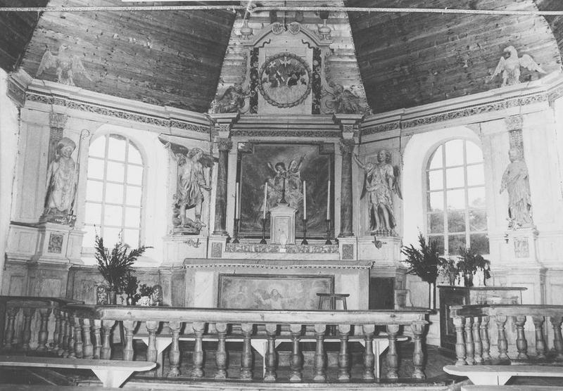 Retable, 4 statues du maître-autel : saint Michel, saint Gabriel, ange