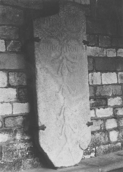 Dalle funéraire d'Eudon de la Roche