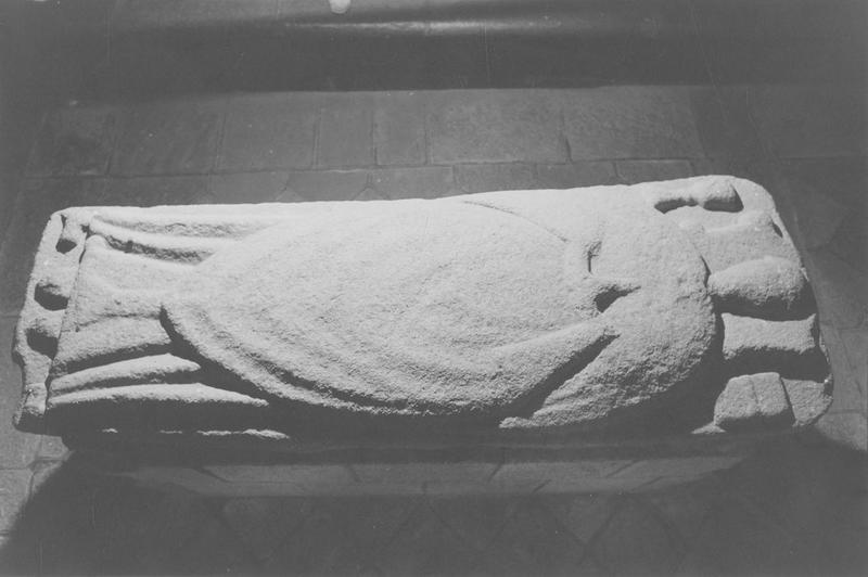 tombeau d'un prêtre, vue générale
