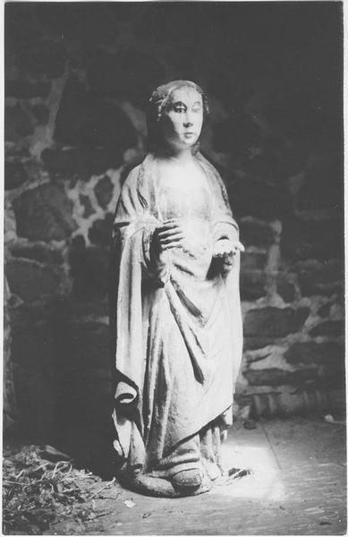 Statue: sainte Jeune, vue générale