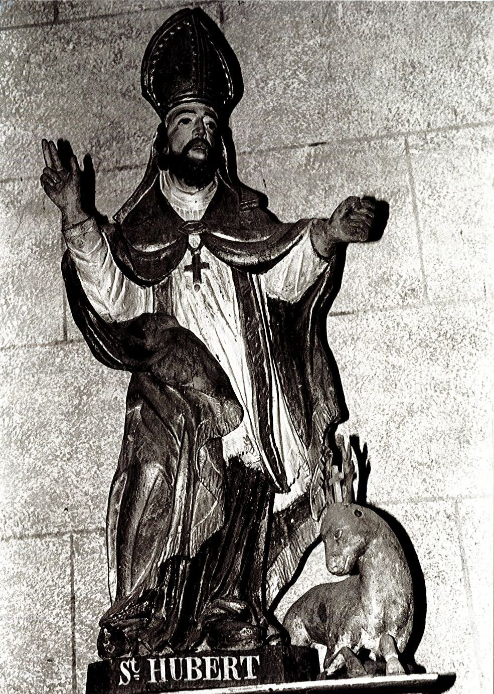 statue : Saint Hubert et son cerf, vue générale