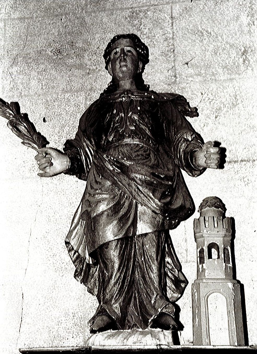 statue : Sainte Barbe et sa tour, vue générale