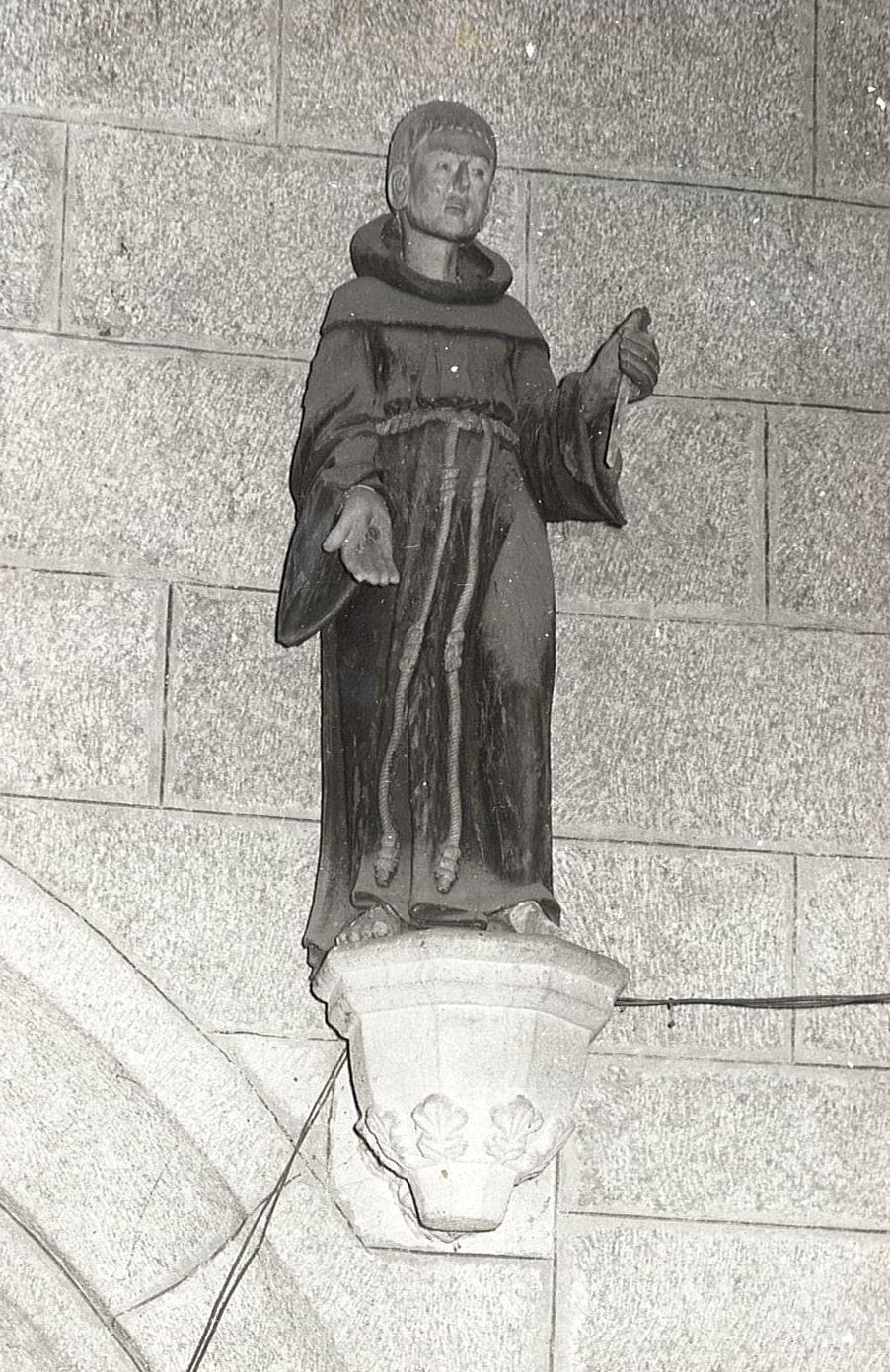 statue : Saint François, vue générale