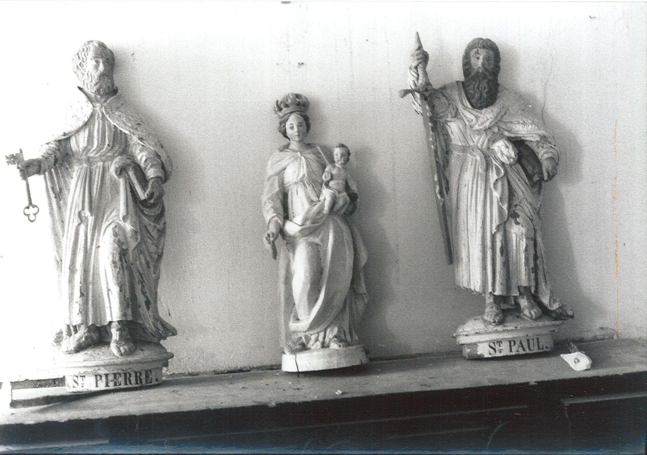 Trois statues (statuettes) : Vierge à l'Enfant, Saint Pierre et Saint Paul