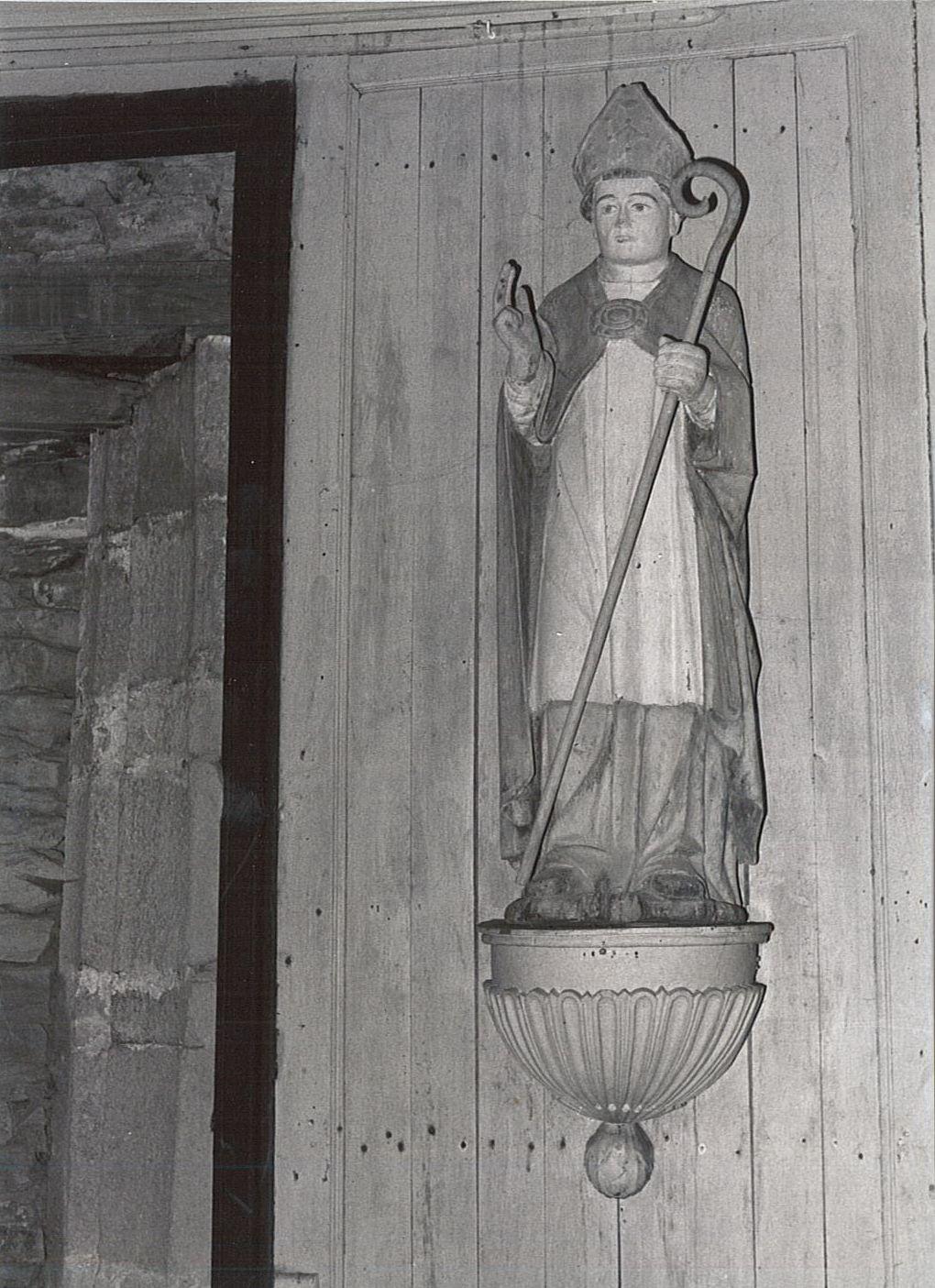statue : Saint Yvy, vue générale