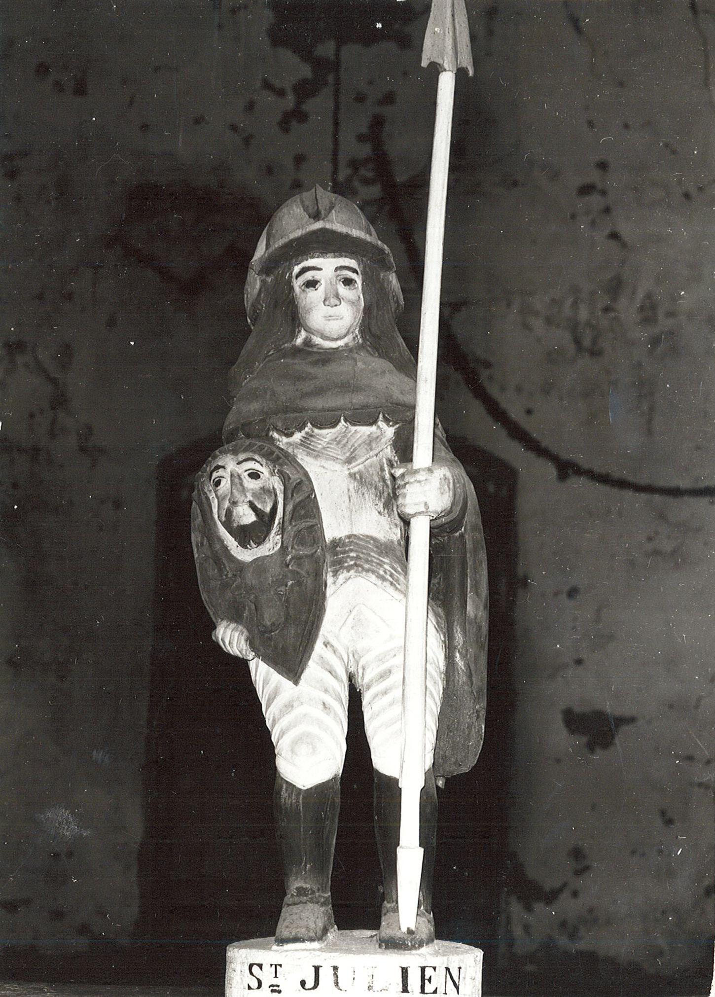statue : Saint Julien, vue générale