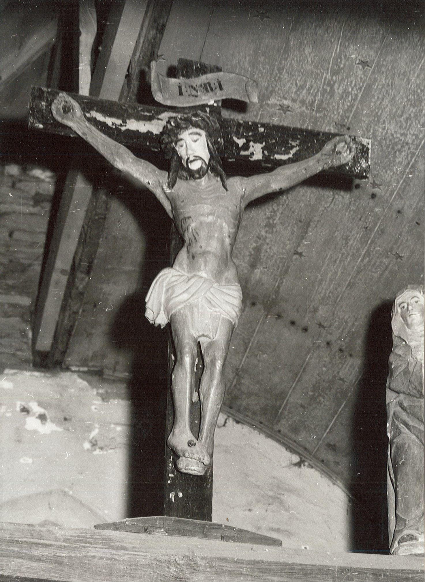 Trois statues de la poutre de gloire : Christ en croix, Vierge et Saint Jean