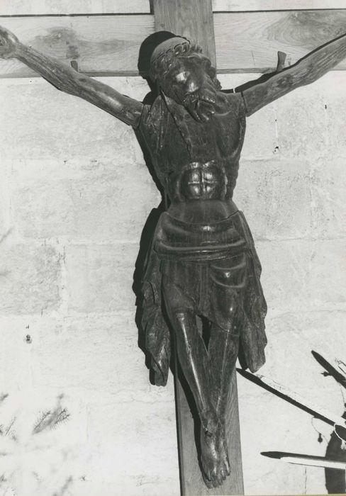 statue : Christ en croix n°6, vue générale