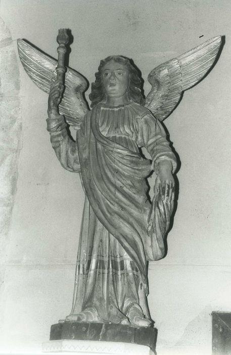 statue: ange gardien, vue générale