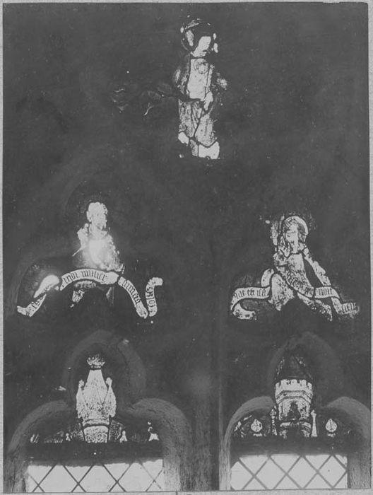 verrières : le Christ et les apôtres, scènes de la passion et de la vie de saint Jacques, le Calvaire, l'Annonciation, la Visitation, l'Adoration des Mages, l'Assomption, ange thuriféraire, Vierge à l'Enfant, un Bourreau tranche la tête d'une sainte, la Circoncision, vue partielle