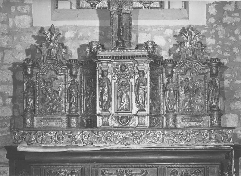 Autel, gradin, tabernacle à ailes et dais d'exposition, prédelle, 4 statuettes (maître-autel)