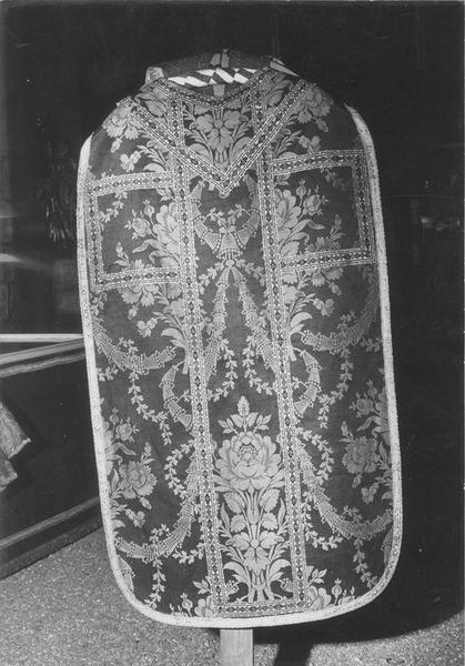 Chasuble (ornement noir)