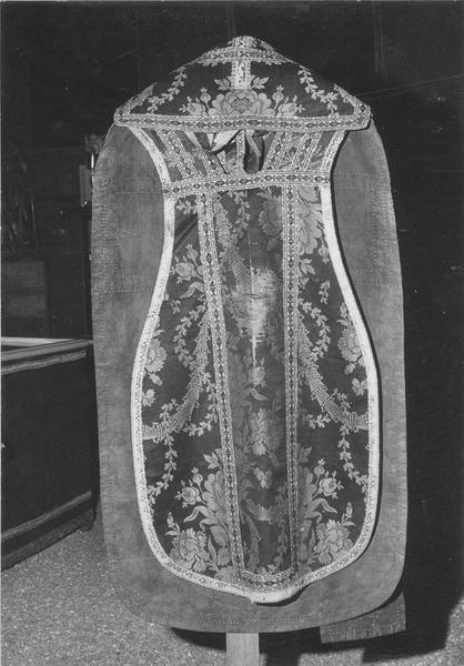 Chasuble (ornement noir)