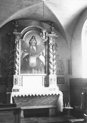 retable de l'autel latéral droit et le tableau : Le Rosaire, huile sur toile, 18e siècle