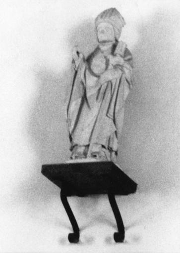 statuette : Saint Evêque, pierre, 16e siècle