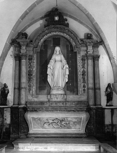 retable du mur est, bois sculpté polychrome et staute : Vierge, 18e siècle