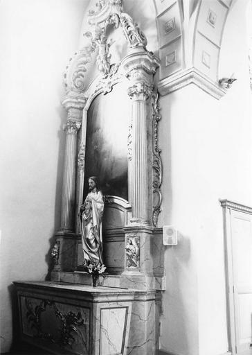 autel et retable latéral nord, bois sculpté polychrome et doré, 18e siècle, statue : Christ