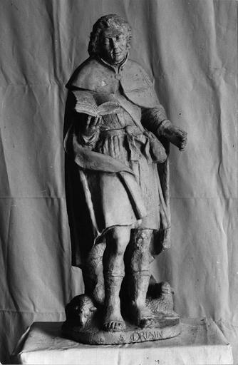 statue : Saint, dit saint Driain, pierre, fin 16e siècle