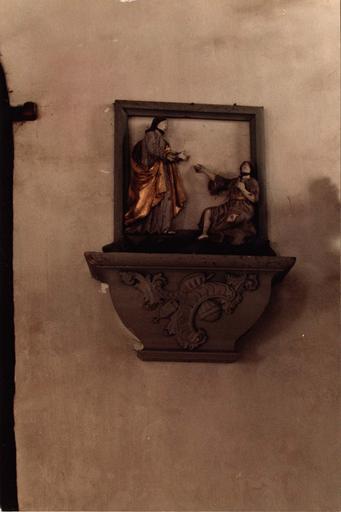 haut-relief : Le Christ guérissant un lépreux et son socle, bois sculpté polychrome, 18e siècle