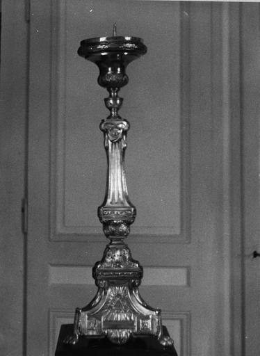 chandelier du maître-autel, cuivre repoussé, 18e siècle