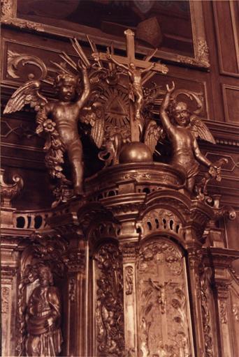 tabernacle, détail du crucifix, après restauration