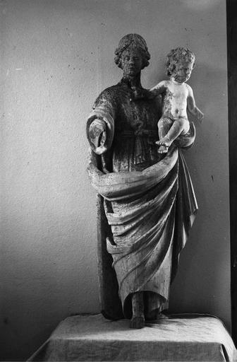 statue de la Vierge du Rosaire, bois polychrome et doré, 18e siècle, avant restauration