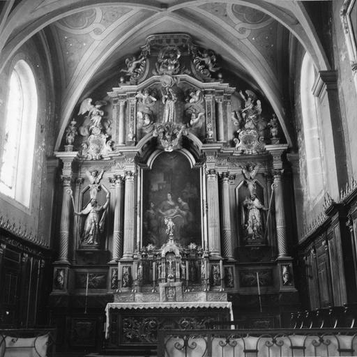 maître-autel, bois sculpté et doré, 18e siècle, état en 1963