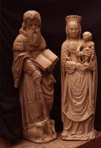 deux statues d'un saint Antoine ermite et de la Vierge à l'Enfant, albâtre, 16e siècle