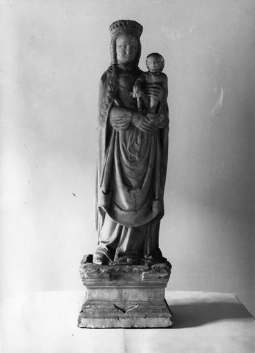 statue : Vierge à l'Enfant, socle, pierre, 16e siècle