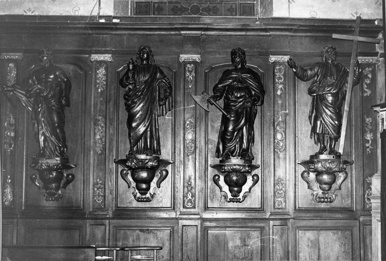 lambris de revêtement du choeur, côté nord, saint Barthélémy, saint Jean, saint Mathias, saint Philippe, 18e siècle